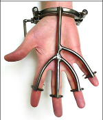 SEX AND METAL HAND TRAP BONDAGE GEAR