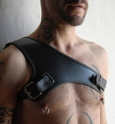 THE GLADIATOR LEATHER BONDAGE GEAR HARNESS